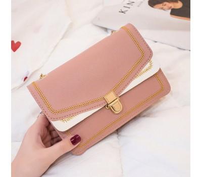 Красивая сумка на цепочке розовая