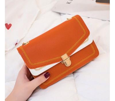 Красивая сумка на цепочке коричневая