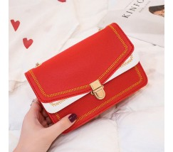 Гарна сумка на ланцюжку червона