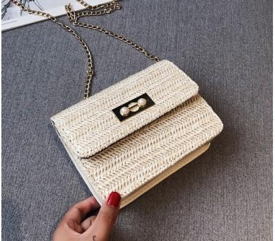 Женская плетеная сумочка клатч светлая