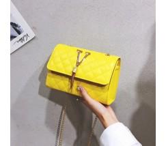 "Женская маленькая сумочка ""V"" желтая"