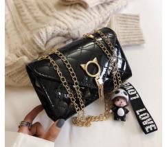 Глянцевая сумка с застежкой в виде кота черная