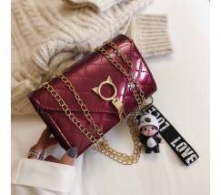 Глянцевая сумка с застежкой в виде кота бордовая