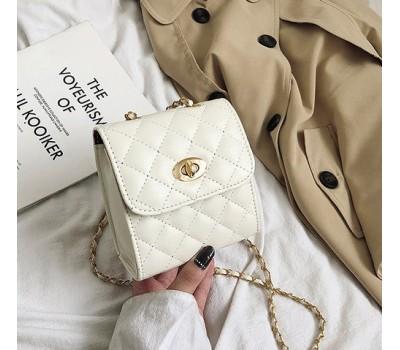 Маленькая сумочка клатч белая