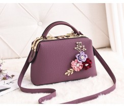 Женская сумка с цветами фиолетовая