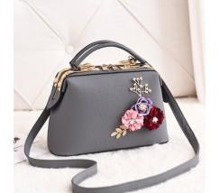 Женская сумка с цветами серая