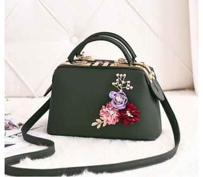 Женская сумка с цветами зеленая