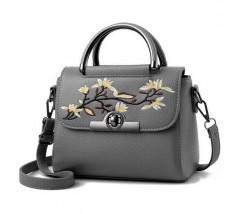 Женская небольшая сумка с вышивкой серая