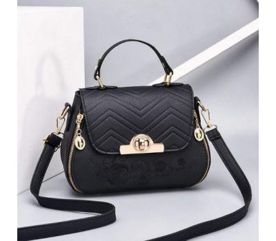 Красивая сумка с вышивкой черная