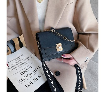 Матовая женская сумочка клатч черная