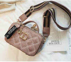 Женская маленькая сумка-клатч розовая
