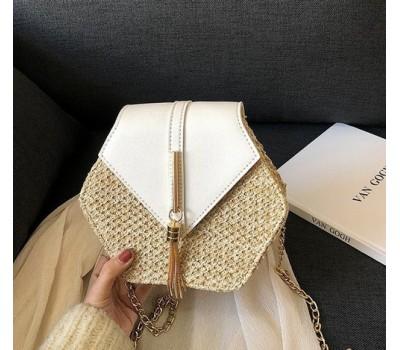 Плетеная соломенная женская сумка белая