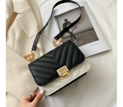 Модная сумочка клатч на цепочке черно-белая