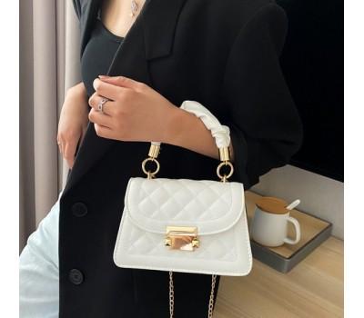 Модная маленькая сумочка из эко-кожи белая