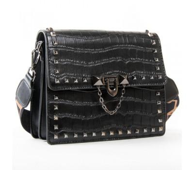 Маленькая женская сумка с заклепками черная