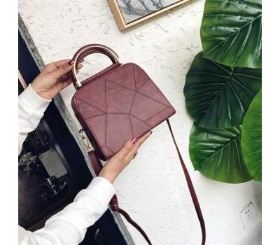 Компактная женская сумка коричневая