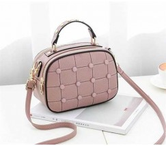 Модная женская сумочка с пуговицами светло-розовая