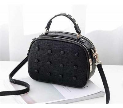 Модная женская сумочка с пуговицами черная