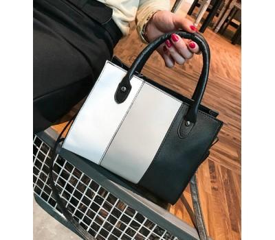 Стильная сумка черная с бело-серой полосками