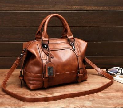 Вместительная сумка женская коричневая
