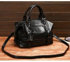 Вместительная сумка женская черная