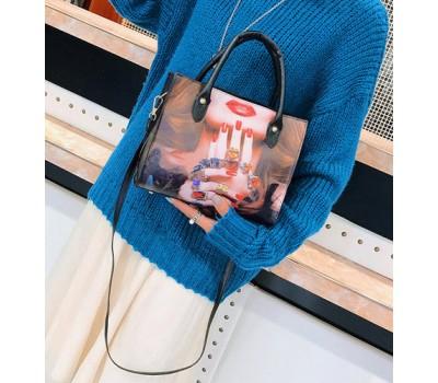 Женская сумка с рисунком девушки