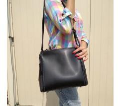 Женская сумкая черная