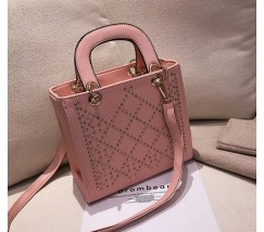 Каркасная женская сумка с узором розовая