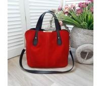 Вместительная сумка из натуральной замши красная