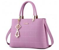 Женская сумка с красивым брелком фиолетовая