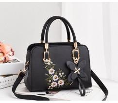 Жіноча сумка з квітковим візерунком чорна