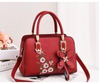 Женская сумка с цветочным узором красная