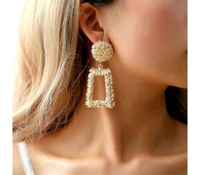 Женские серьги в стиле Zara золотистые